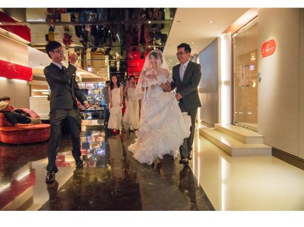 tingting他們是選在飯店內舉行迎娶