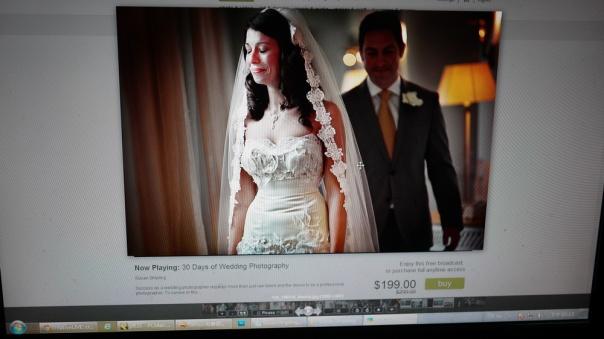 First look: 新娘子知道新郎已經很靠近在她背後, Susan瞬間拍下這一秒的表情