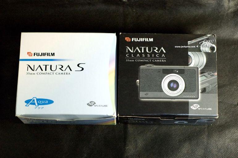 Fujifilm Natura S 左邊 Fujifilm Classica 右邊