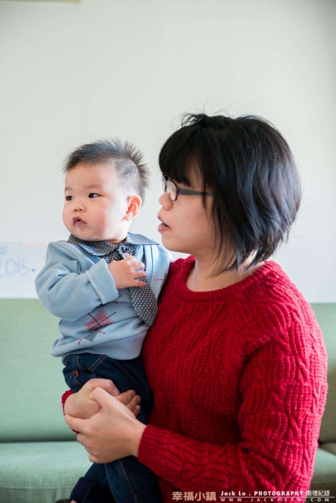 寶寶與母親的合照