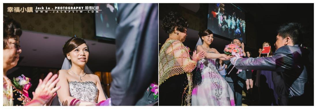 高雄-婚禮紀錄攝影師-婚宴喜宴-大八飯店-新郎獻花給新娘