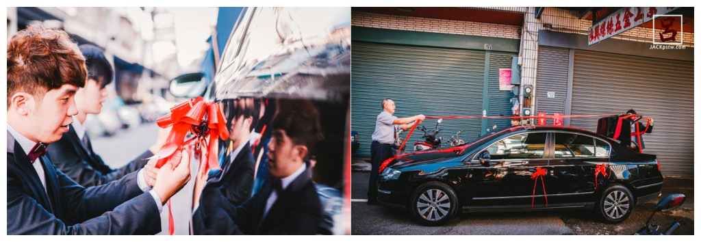 新郎與父親在準備掛在婚禮禮車的彩帶