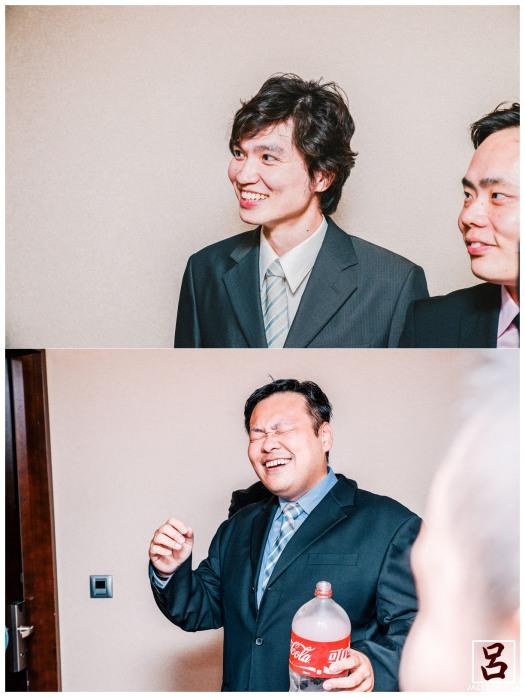 新郎被整旁邊伴郎的笑的好開心,是好友還是損友!? XD