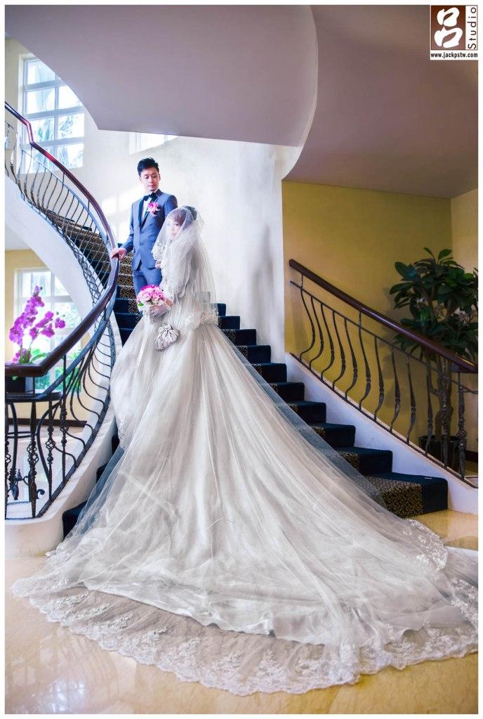 台南商務會館相當漂亮,趁空閒時拍幾張類婚紗照