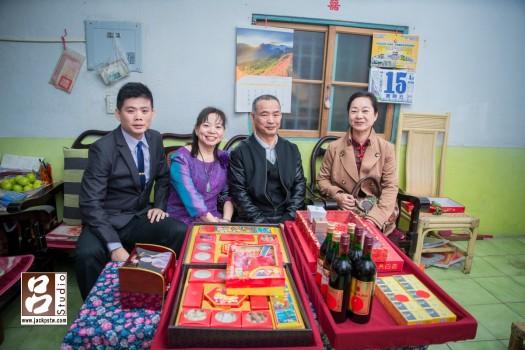 男方家屬, 媒婆與12禮,文訂儀式