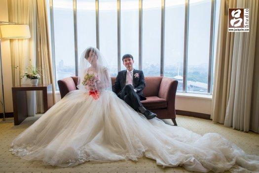 趁得空擋,我抓一些時間來拍一些合照和他們的類婚紗照