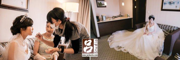新娘已經化好粧在房間等待