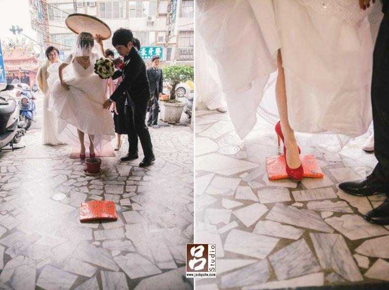 新娘進家門踩瓦片