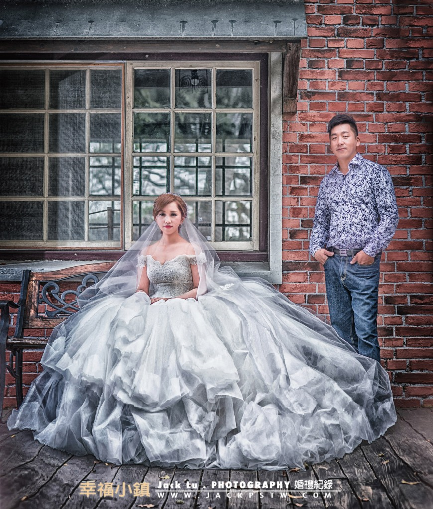 在我拍攝中的照片新娘最後選擇這張當放大照,應該也是她最喜歡的照片