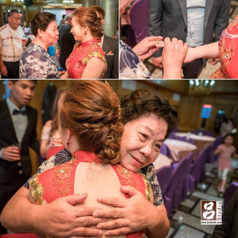 新娘奶奶看到Angela嫁到澳洲很難的看到她,現場塞給她的一金戒子