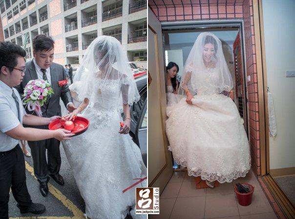 新娘很俏皮的吐舌頭,原本以為太瘦瓦片踩不破