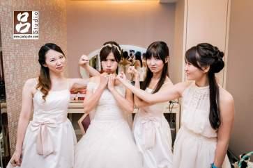 新娘與伴娘活潑照