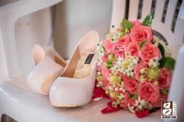 捧花和新娘鞋