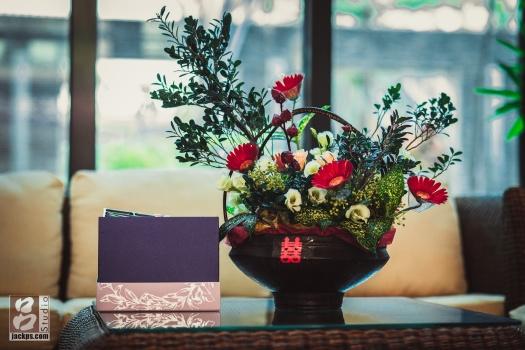 新郎母親親手插的花,襯托出一種高貴典雅的氣息