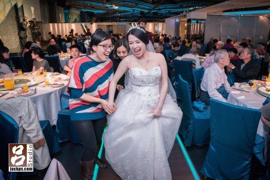 新娘與好久不見得同學