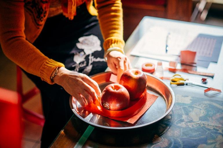 紅紙貼蘋果
