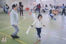 台下家人與小孩的互動