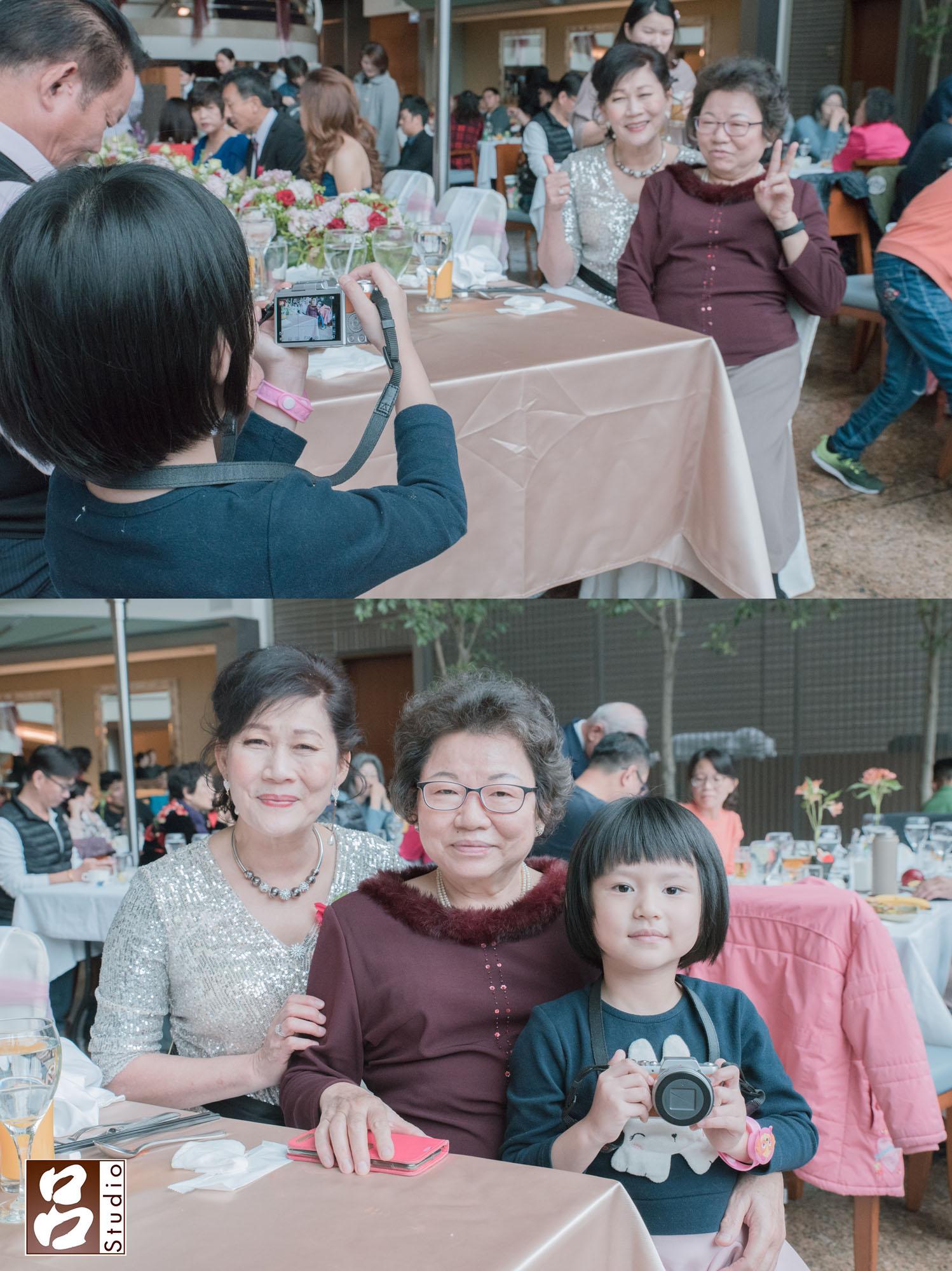 婚禮當天新娘在化妝,旁邊的小朋友沒看過一直看的新秘幫姑姑上假睫毛