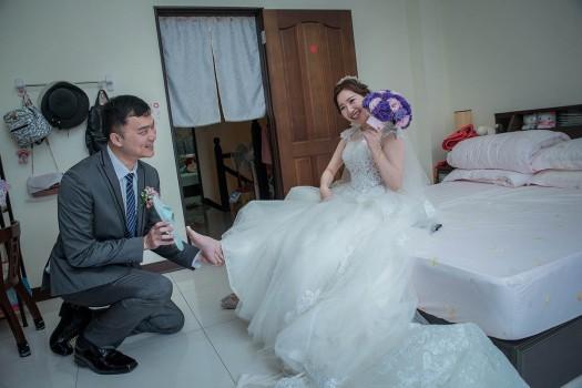 新娘笑開心,趣味迎娶