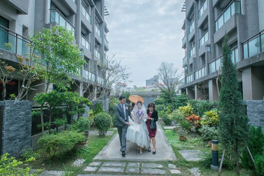 新娘出家門照片
