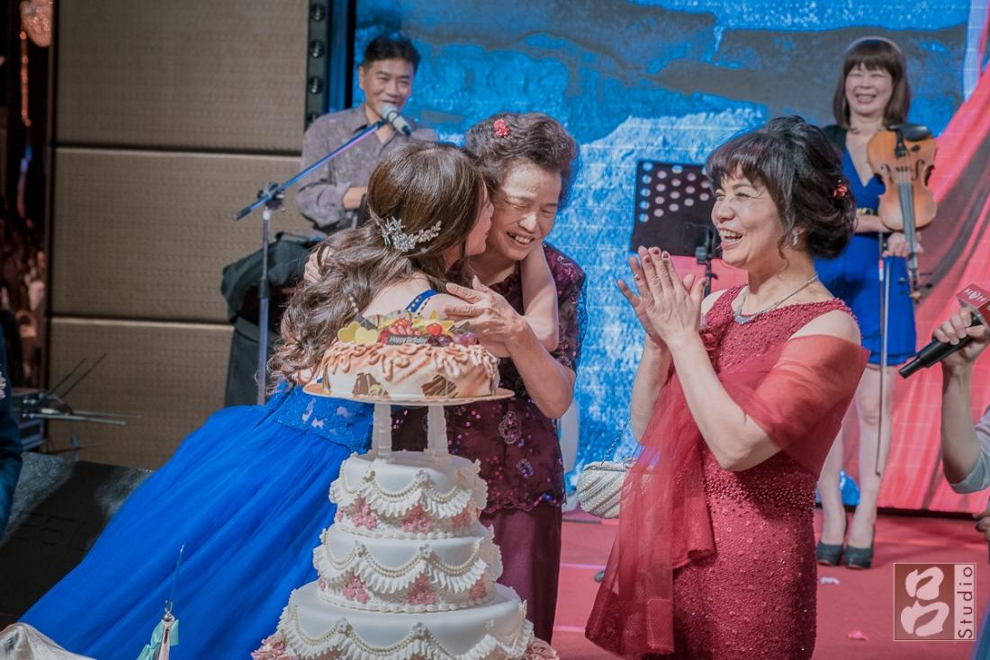 新娘蛋糕慶生