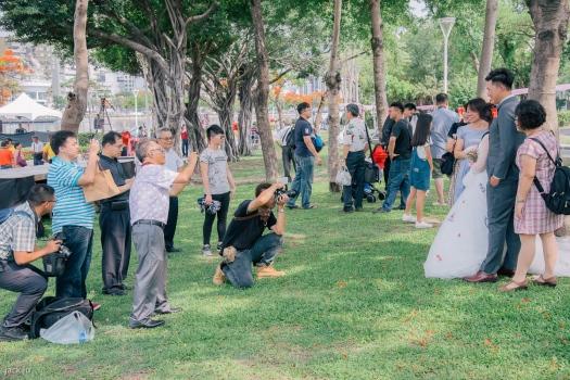 集團婚禮的畫面