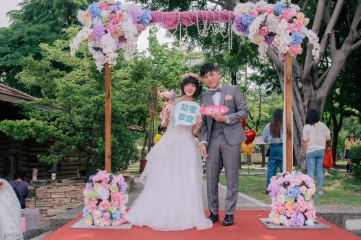 拍照留影婚禮新人