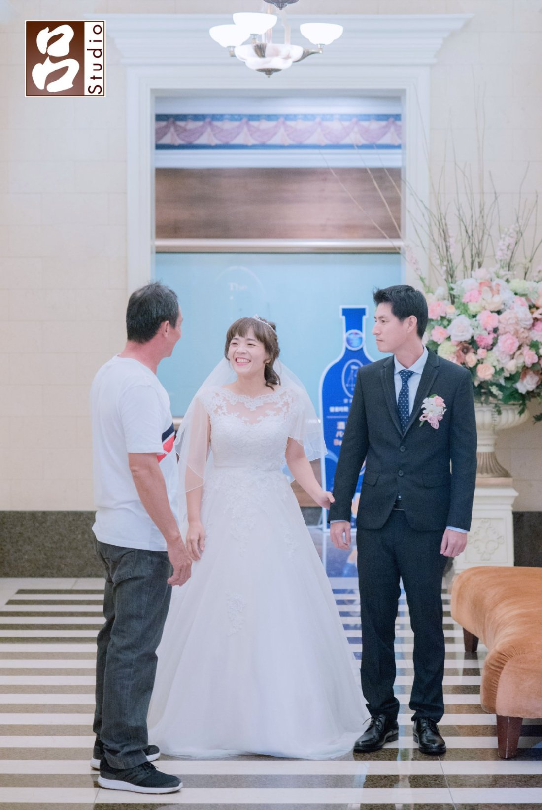 新娘穿的白砂準備一進