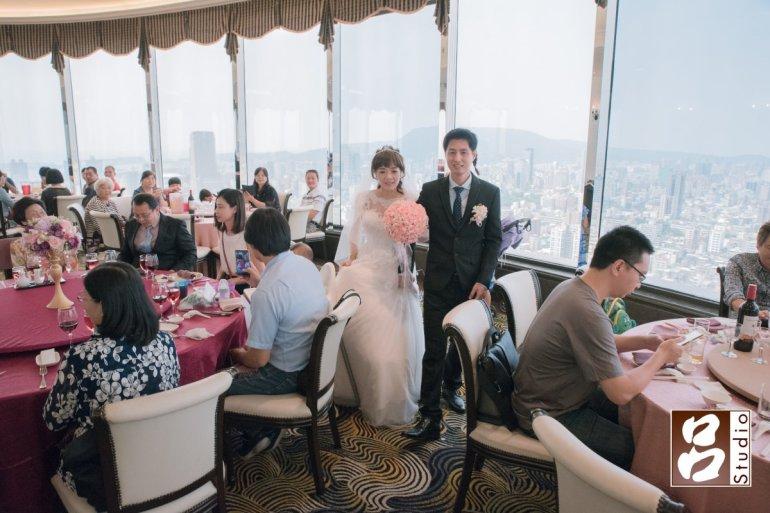 寒軒雲頂餐廳-360度環繞玻璃窗