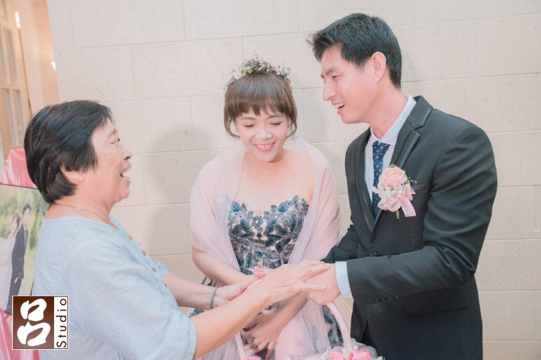 婚禮送客時親友