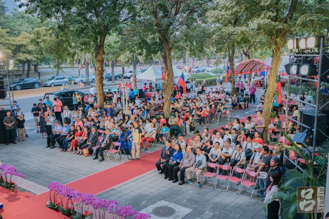 當天參與這次客家婚禮親友和觀眾