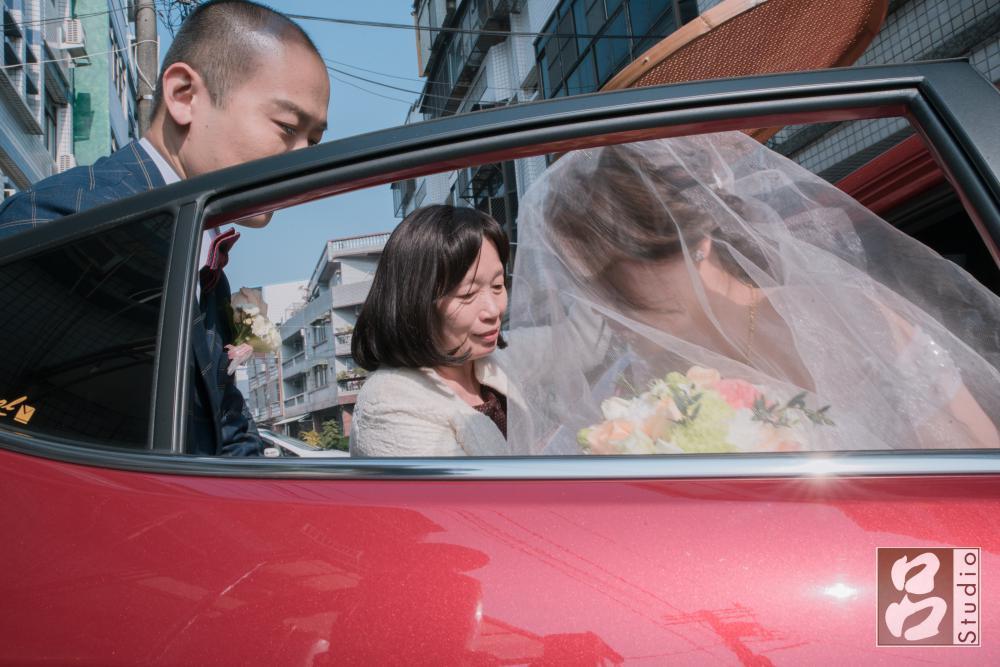 新娘下禮車