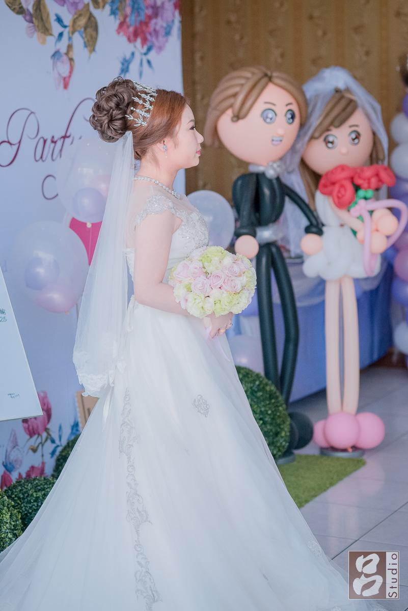 新娘白紗獨照