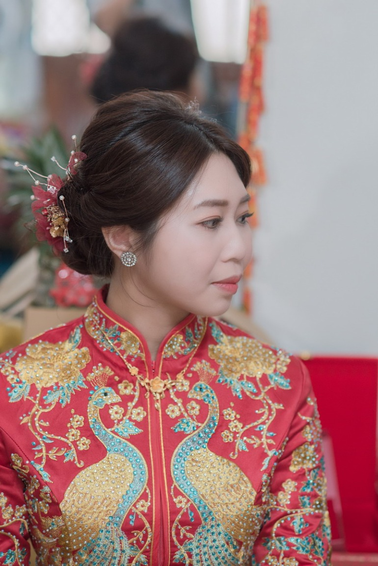 新娘穿龍鳳褂