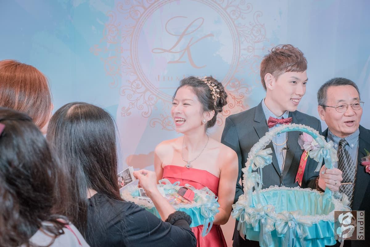 新郎新娘開心的表情